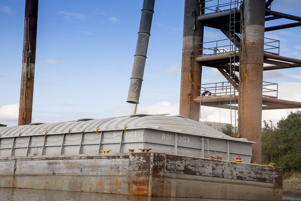 Moving Grain: Low Water Disrupts Barge Traffic on Illinois River