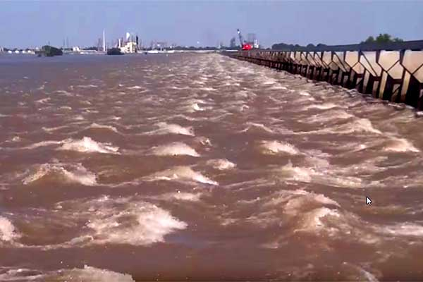 Flooding: Louisiana's Bonnet Carre Spillway Opening is