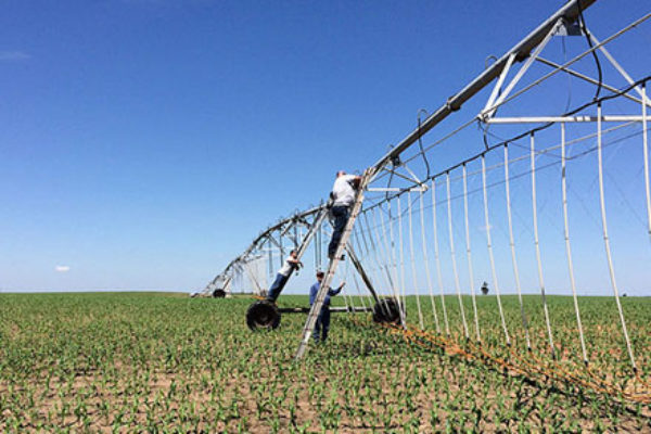 Kansas Farmland Values Continue to Slide